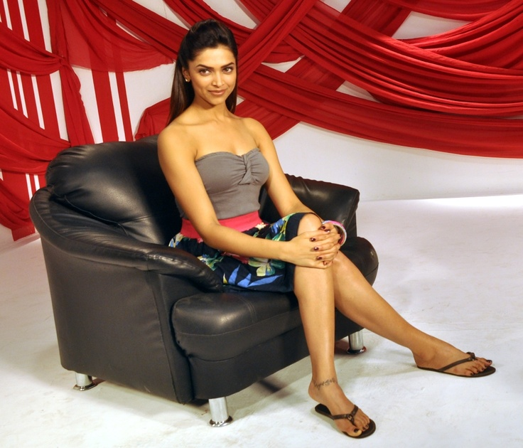 Bollywood - Deepika during a interview at zoOm
