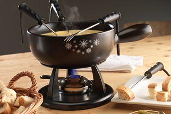 Schweizer Fondue und Racletteofen. kaltenbach – Geselligkeit und Genuss perfekt kombiniert! Ob aus den Bereichen Kochen am Tisch, Küche oder Backen: kaltenbach steht für Qualität und Design, garantiert ein Koch- und Esserlebnis, das Spass macht.  #fondue#raclettegrill#racletteofen#fonduecaquelon#fonduebourguignonne#rechauds#kaesefondue#braeter#dessert#retroteigschüssel#kochrezepte#schweizer#kaesefondue#swisscultur#swissfood  www.wohn-punkt.ch