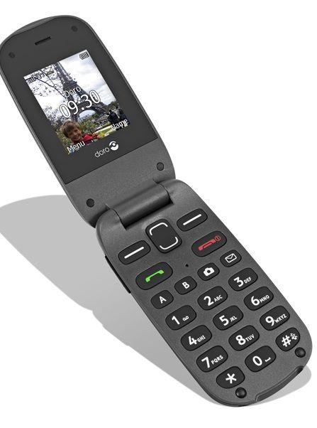 EOL - Doro GSM voor senioren met camera en zachte druktoetsen HP-607 Zwart/Grijs  De Doro PhoneEasy 607 is een stijlvolle robuuste en gebruiksvriendelijke klaptelefoon ontworpen voor senioren. Voor het beantwoorden en beëindigen van oproepen hoeft u het toestel eenvoudig open en dicht te klappen. De Doro PhoneEasy 607 biedt u grote toetsen en tekens om bellen en sms'en eenvoudiger te maken. Plus: een batterij met lange levensduur en een geweldig geluid. Productspecificaties van de GSM voor…