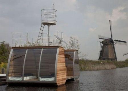 Natuurvrienden opgelet! In de Biesbosch drijft een heuse ecolodge en jij kan daar slapen. Verwacht een ruimtelijke en lichte hotelkamer met eigen uitkijktoren voor extra natuurplezier. Wie weet spot jij vanaf daar wel bevers Beert en Benthe!