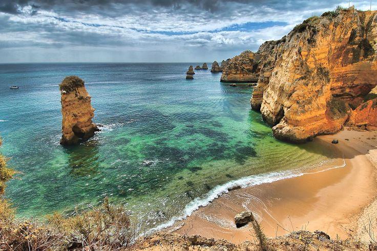 Escarpados acantilados en la Costa de Estoril #portugal