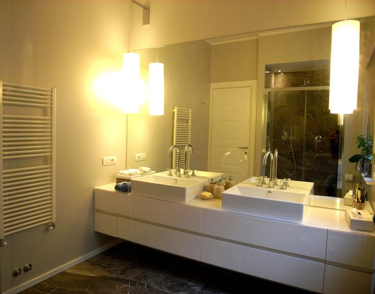 Double sink for a large stylish bathroom
