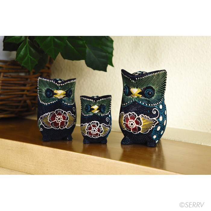 burung hantu   Indonesian Wildlife - Owl Set  This set of three Indonesian owls is artfully rendered in sengon wood, then ornamented with a softly textured floral batik. Your purchase supports two groups--carvers and batik artisans. www.serrv.org #fairtrade OWLS!