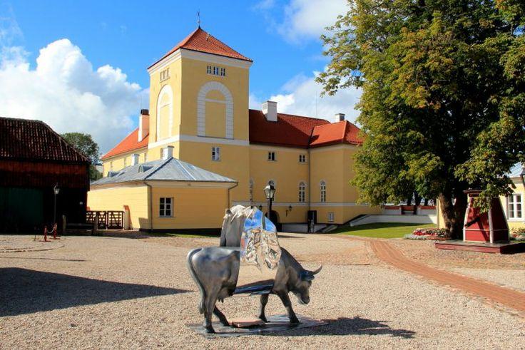 So I start with my blog - aliceinfckdupwonderland! I'm from Ventspils, Latvia.