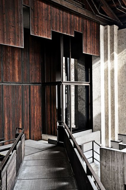 Castelvecchio Museum | Carlo Scarpa - love the dark wood and black accents against the white stone