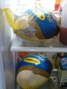 You forget that a frozen turkey takes FOUR DAYS to thaw / 17 Thanksgiving Turkey Mistakes Everyone Makes (via BuzzFeed)