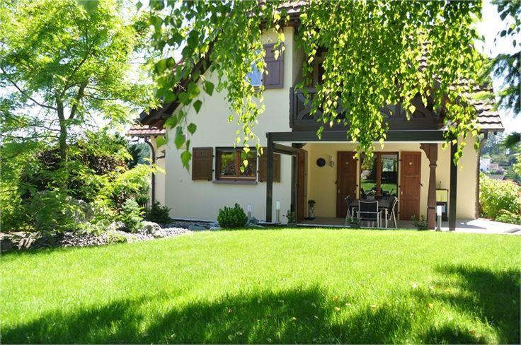 A vendre chez Capifrance à Bruschwilliers jolie maison de 120 m².  Composée de 6 pièces dont 3 chambres et d'un magnifique jardin.  Plus d'infos > Coralie Hilaire, conseillère immobilier Capifrance.