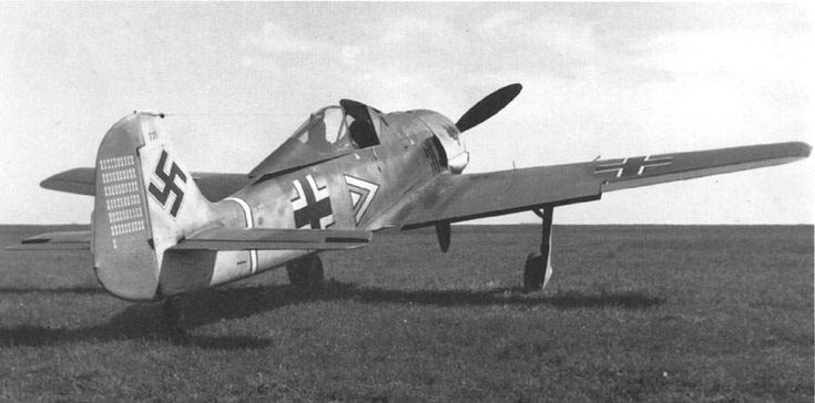 Focke Wulf Fw 190 A-3, W Nr 223, of Hauptmann Hans 'Assi' Hahn, Gruppenkommandeur of III./JG 2 in Beaumont le Roger, France. On May 4, 1942, 'Assi' Hahn reached his 60th victory. The rudder shows 61 of his 108 victories (68 in the West).