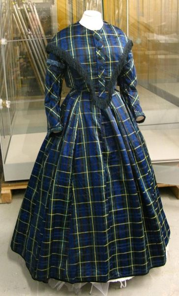 Object Name: dress & pelerine Date: 1840-1845 Accession Number: 1963.198 Image Copyright: © Manchester City Galleries