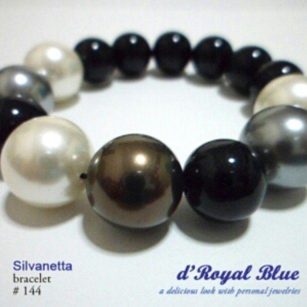 Shell pearl dan batu thulium. #gelang #mutiara #bracelet #handmade #handmadebracelet #accessory #aksesoris #aksesorishijab #aksesorisjilbab