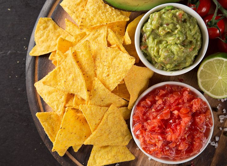 Nutritionists reveal healthy things to eat at any Mexican restaurant. Be sure to order one of these Mexican dishes if you're trying to lose weight.