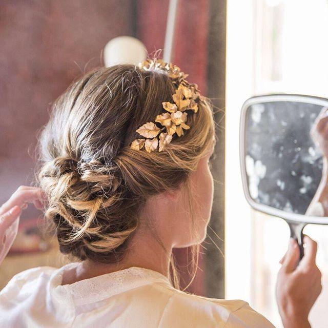 La Corona de Patricia! Una maravilla en distintos tonos de dorado, toda una joya! #headcouture #exclusiveheadpieces #headpiece #tocadosletouquet #noviasletouquet