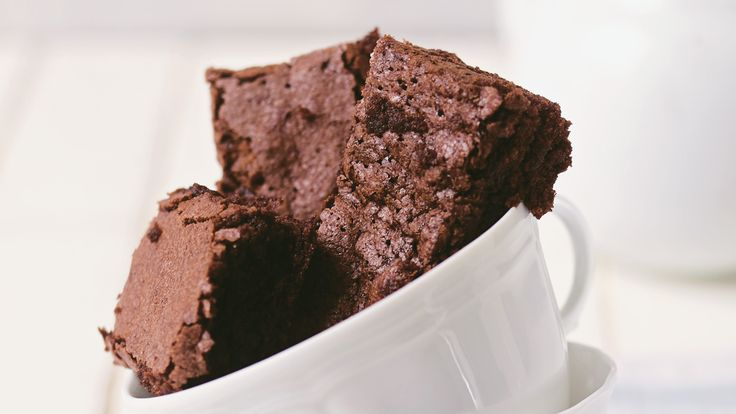 Chocolate brownies © National Trust