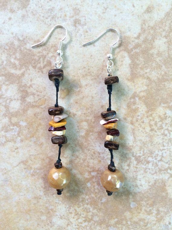 Perle e orecchini di legno schegge di pietra di FrancaandNen