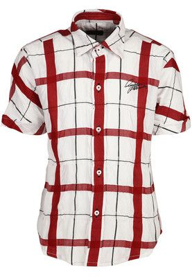 Red coloured, chequered casual shirt for boys by Blazo. Crafted from cotton blend, it has short sleeves and comes in regular fit. Your little brat will certainly look fashionably charming the next time you take him to a party when he wears this red shirt from the house of Blazo.