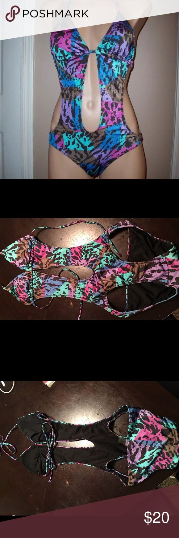 Selling this Victoria's Secret swimsuit on Poshmark! My username is: dongxue. #shopmycloset #poshmark #fashion #shopping #style #forsale #Victoria's Secret #Other
