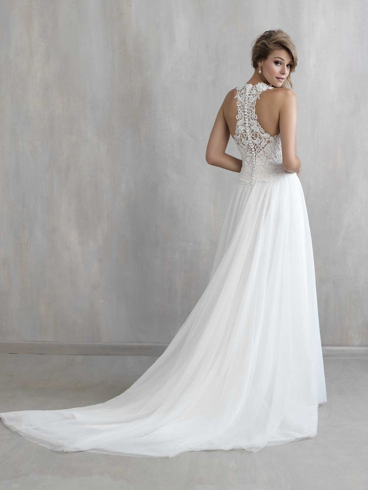 New Allure wedding dress in white size 6 at Jenny's Bridal