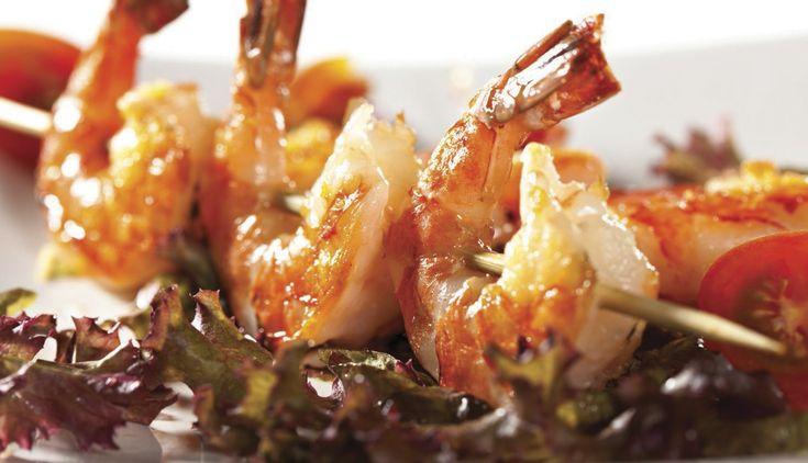Brochetas de langostino al romero • Conoce más de esta receta en www.cocinarte.co