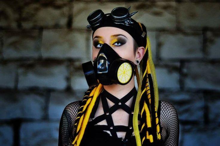 Cybergothic style Model: https://www.facebook.com/bina.ramos1 Pic and makeup: https://www.facebook.com/janaina.perotti  #cybergothic #cybergirl #gothgirl #gothicgirl #dreadfalls #ebm #aggrotech #industrial #rivethead #darkwave