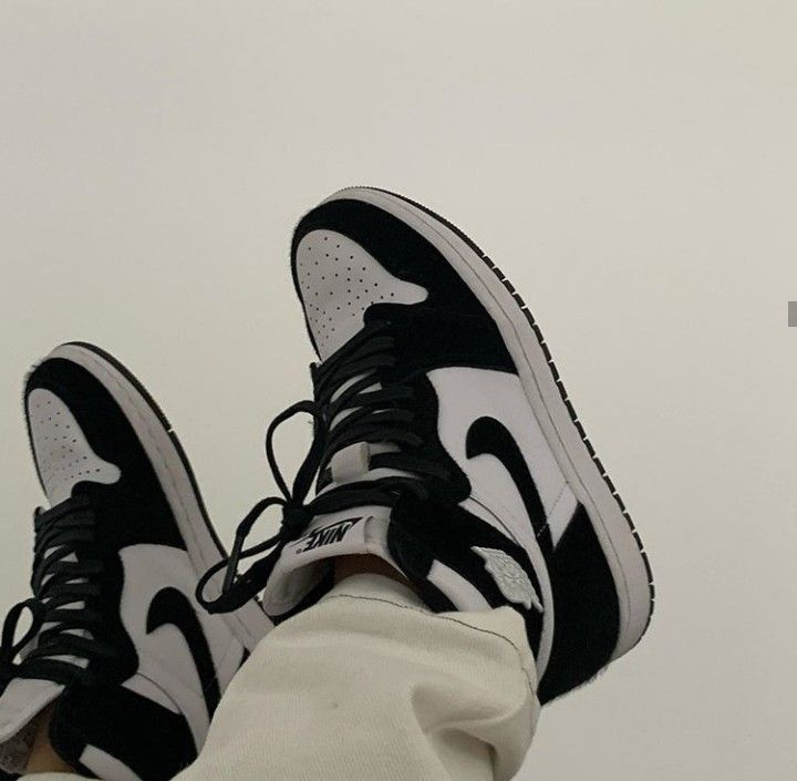 black and white jordan outfit