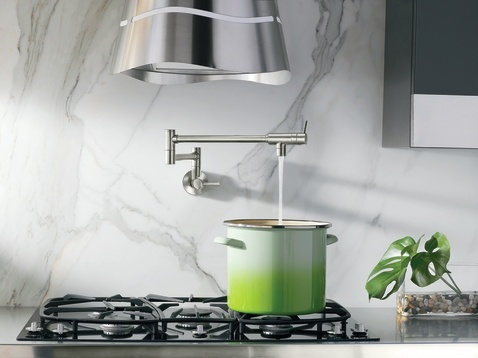 Inspire the master chef within: the stylish Pot Filler is convenient and practical. Able to reach all stove burners for filling pots, the folding arm retracts completely when not in use.