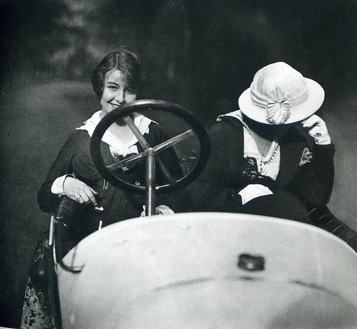 """Two women in a car"" Photo: Jacques Henri Lartigue (1894 - 1986) France, 1915 Jacques Henri Lartigue was a French photographer and painter, known for his photographs of automobile races, planes and Parisian fashion female models."