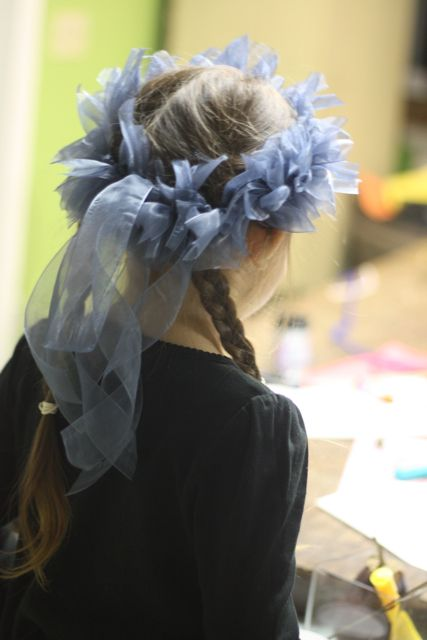 How to make a ribbon crown. Cute and simple.
