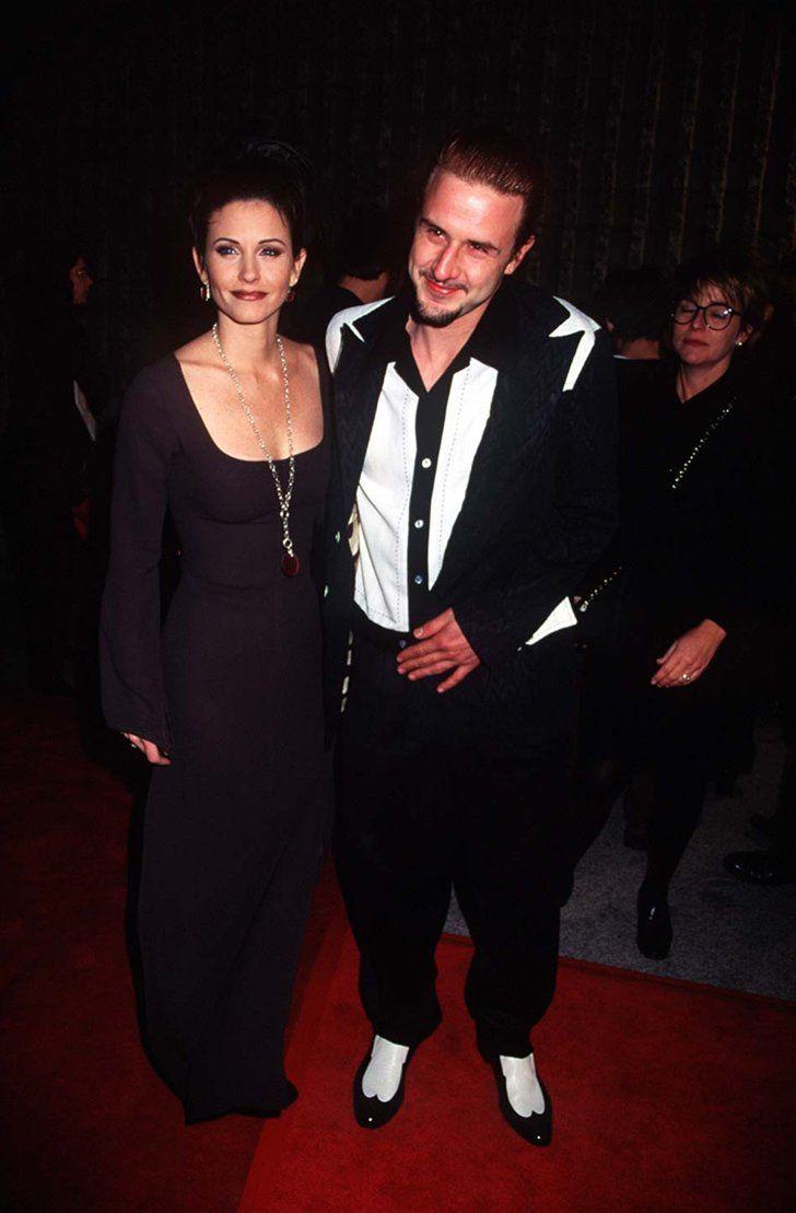 Pin for Later: Retour Sur la Fois où Ces Couples de Célébrités Se Sont Affichés en Public Pour la Première Fois Courteney Cox et David Arquette en 1996