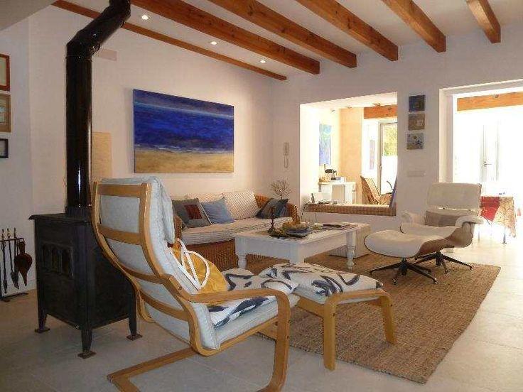 Renoviertes 240m² Dorfhaus mit Gasheizung, Kamin & Dachterasse: Modern und frisch renoviertes Dorfhaus in Son Servera, nur 5 Minuten von Cala Millor entfernt, zum Verkauf. Dieses...