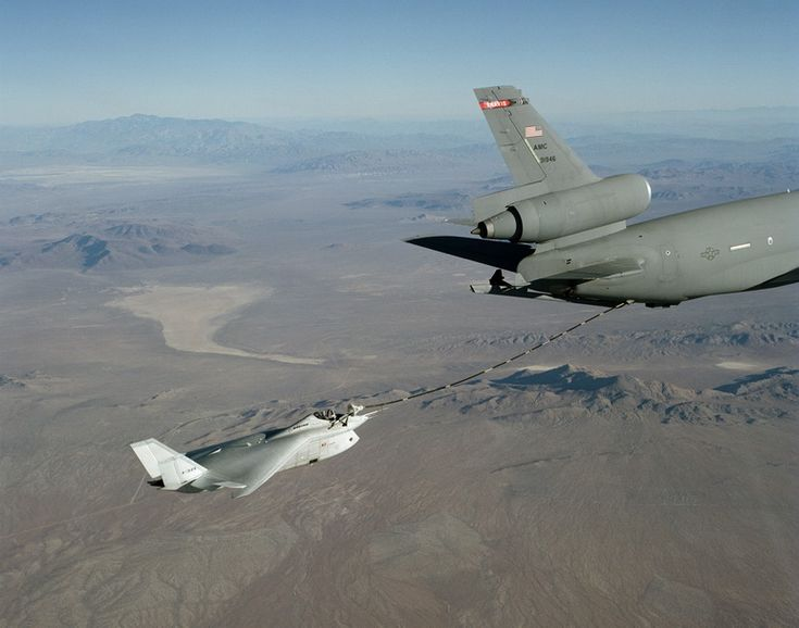 boeing x-32 with kc-10