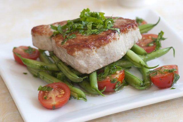 How to Grill or Bake Tuna Steak