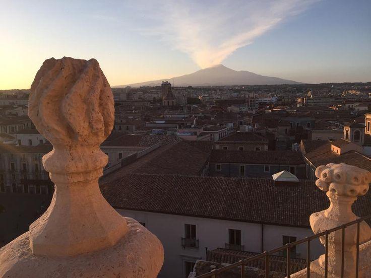 #Catania live spettacolo mozzafiato dalle terrazze della Badia di Sant'Agata.Sicily