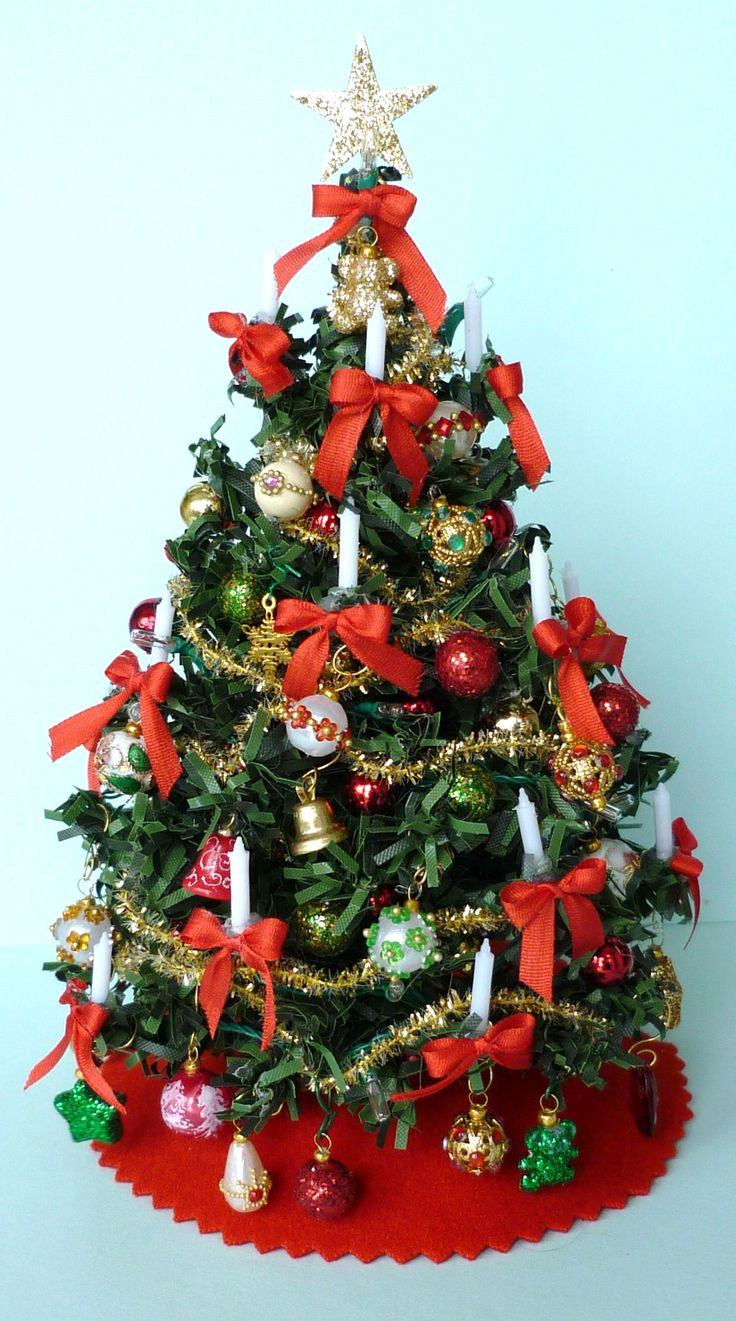 1000+ images about Christmas Trees for the Dolls House on ...