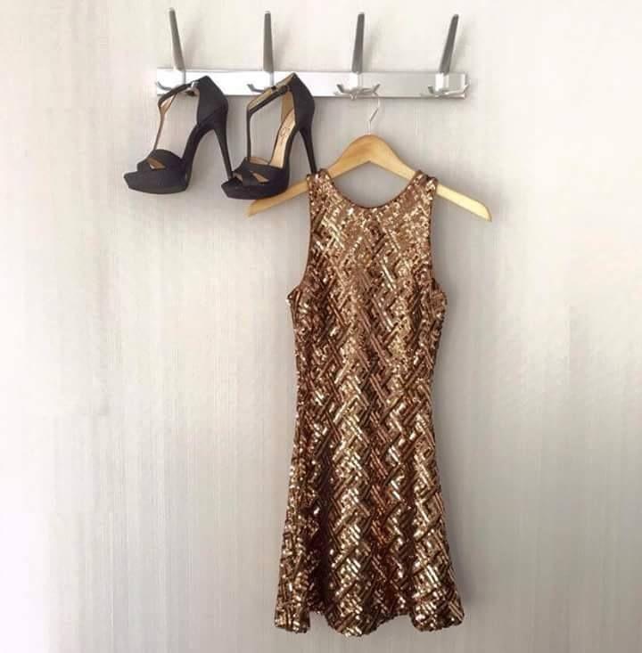 Da quello che indossi...si comprende cosa hai nel cuore.. ;) #TagsForLikes #follow #followme #andria #puglia #italy #bloggers #style #fashionstylist #fashion #modadonna #love #amazing #knitwear #fashiondesigner #isabelladimatteotricot #girls #women #shoponline #shopping #abbigliamentosumisura #sexy #work #cute #dress #model #outfit #gold #shortdress #gold #shoes