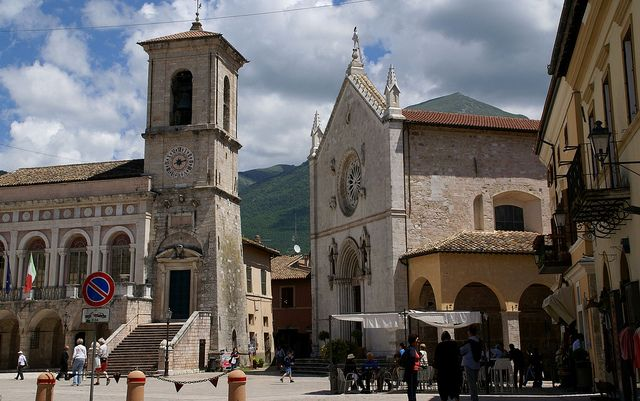Norcia, Piazza St. Benedict, Basilica of St. Benedict and town hall