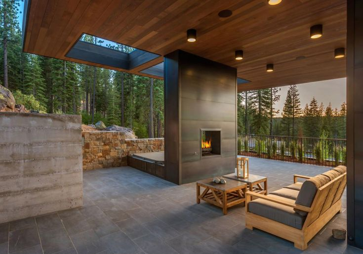 Outdoor living Martis Camp 506 by Blaze Makoi Califronia Holiday Home