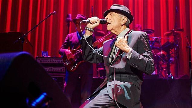 Le chanteur Leonard Cohen est mort à l'âge de 82 ans. Voix rauque et intime, paroles mélancoliques, charme discret du gentleman: l'artiste montréalais a imprégné l'imaginaire culturel au fil d'une longue et riche carrière artistique.