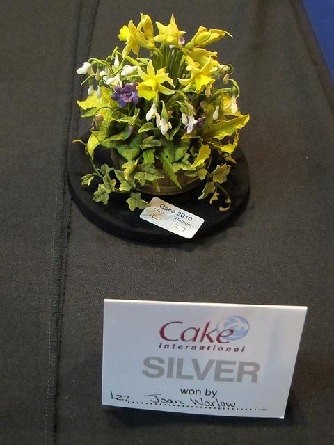 Flower pot gum paste flowers