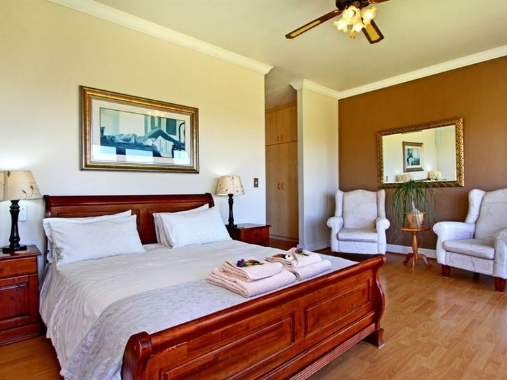 Casa Mia Guest House - Casa Mia is a luxury Tuscan-style guest house offering self-catering suites in the Bloubergstrand area.  The back yard borders a reserve and overlooks Table Mountain.  Timeless elegance and warm hospitality ... #weekendgetaways #bloubergstrand #capemetropole,blaauwberg #southafrica