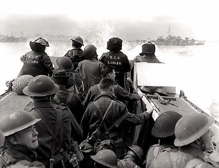 Canadian troops on their way to Juno Beach - Juno Beach - Wikipedia, the free encyclopedia