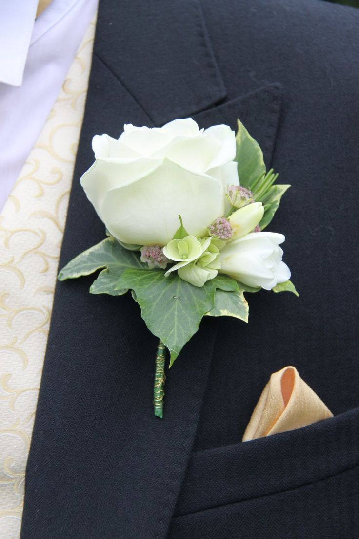 Flower Design Buttonhole & Corsage Blog: Avalanche Rose Boutonniere
