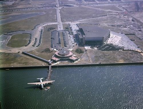 ↠Boeing's Beautiful B-314 Clipper at the Marine Air Terminal at New York City - Pan American's ...