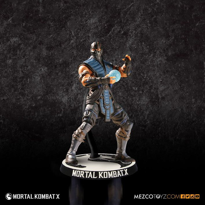 Figura Sub Zero, Mortal Kombat X, 10 cm Mezco Toys  Figura articulada de 10 cm, del personaje de Sub Zero, luchador perteneciente al videojuego Mortal Kombat X.