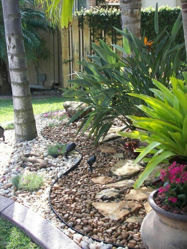 Garten steine eine gartengestaltung so nah an der natur for Einfache gartengestaltung
