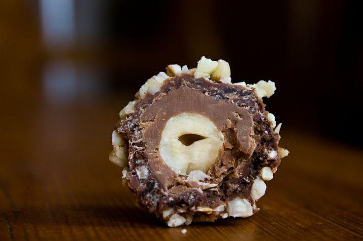 """""""Ferrero Rocher"""" Hazelnut Chocolate Truffles  whole hazelnuts hazelnut nougat vegan """"milk"""" chocolate chocolate wafers hazelnut pieces (Tipps..."""