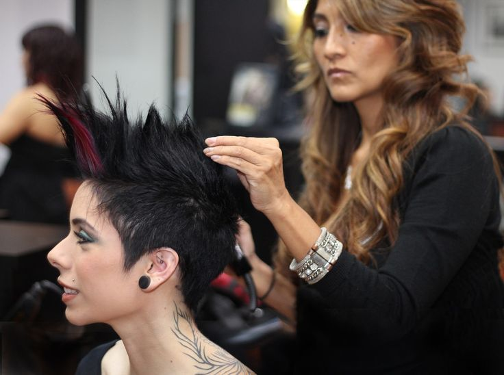 We are one of the best hair salon and beauty salon in Miami. To improve your beauty you should select contact us now.  http://www.peteroflondon.com/