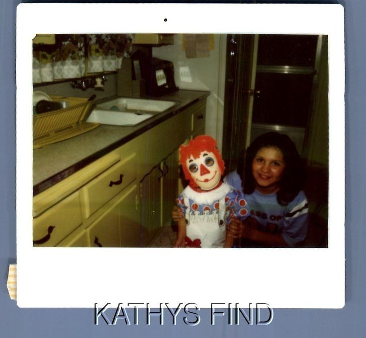 FOUND COLOR KODAK U_7355 PRETTY WOMAN POSED WITH GIRL IN RAGGEDY ANN COSTUME