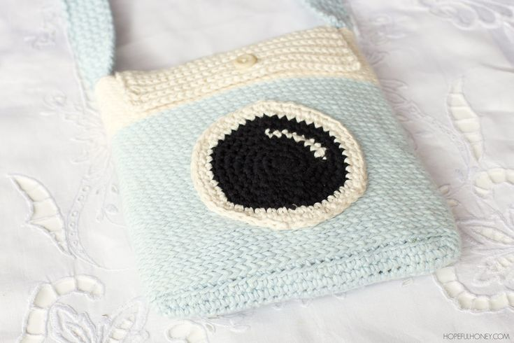 Camera Satchel Bag - Free Crochet Pattern