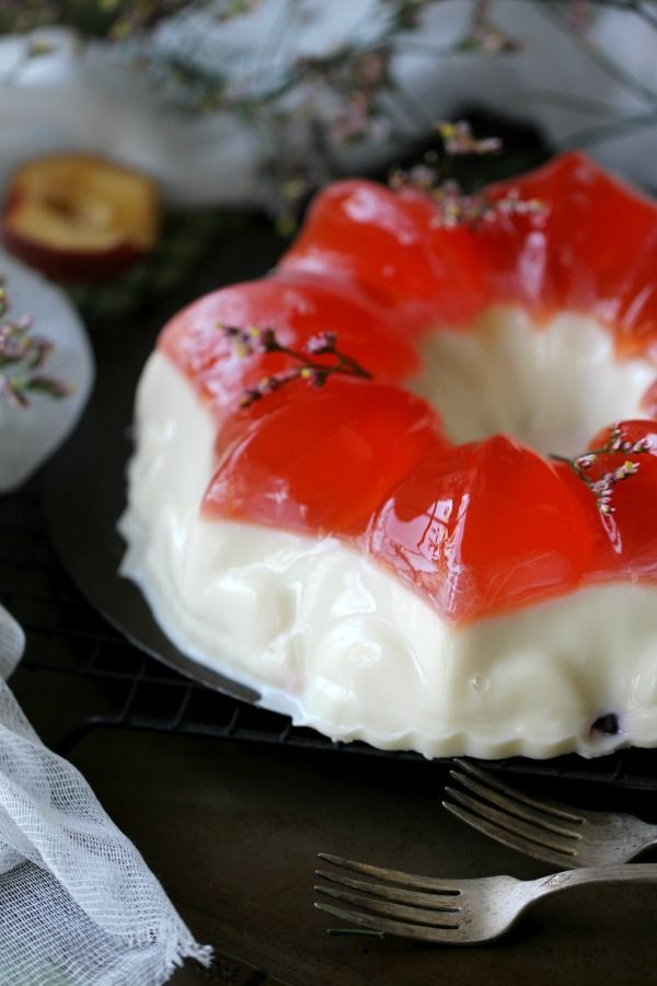 Bundt Jelly Cake with a Creamy Layer - Peas and Peonies
