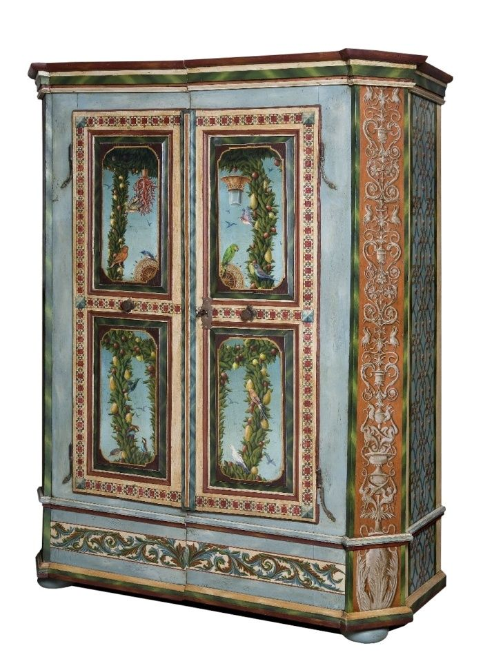17 best images about armoire painted on pinterest hand for Meubles peints